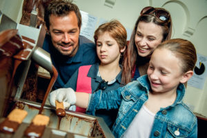 4.4 Follow the smell of chocolate around Brussels and make your own!